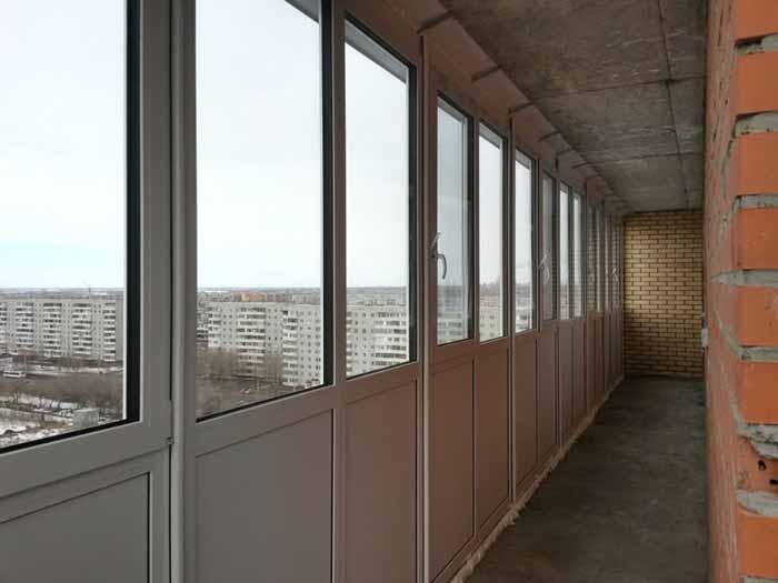 """Остекление балконов в омске окна """"пвх-комфорт""""."""