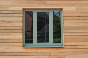 Установка окон ПВХ в деревянных домах