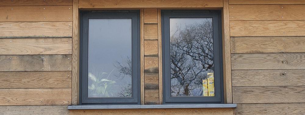 окна ПВХ в деревянных домах